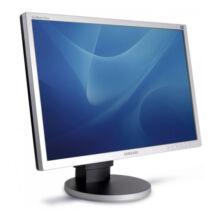 """Samsung 225BW 22"""" LCD monitor"""